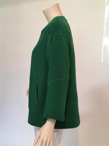 Silk day jacket in Green with topstitching detail